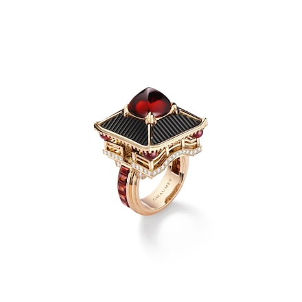 Madame Butterfly ring 'Malaya' garnet - Pink Gold - Chaumet